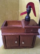 Dry sink with pump