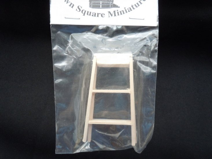 1/12 scale wood step ladder - Click Image to Close